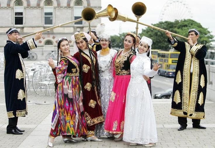 Özbekistan'da gelin