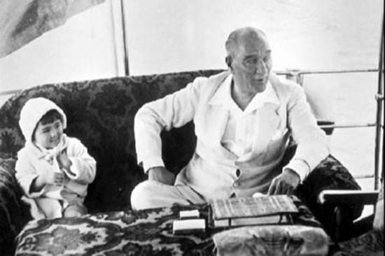 Atatürk yalovada