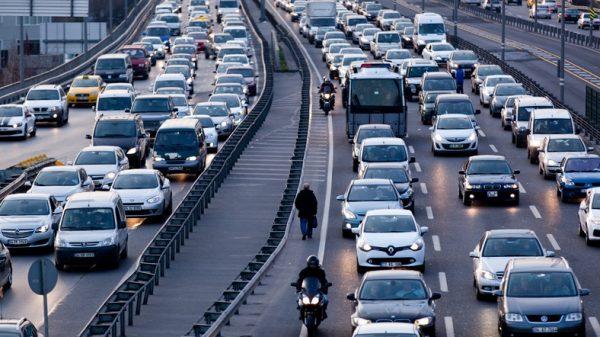 Ulaşım Teknolojilerindeki Hızlı Gelişmeler, Yaşadığınız Çevrede Ulaşım Araçlarını Ve Ulaşımı Nasıl Etkilemiştir?